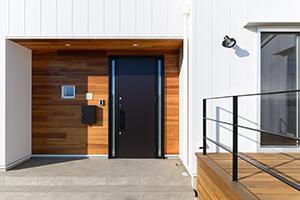 木製外壁板張り